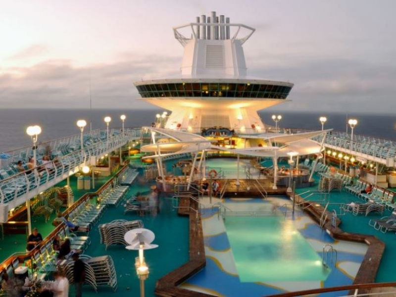 magesty-of-the-seas-entertainment