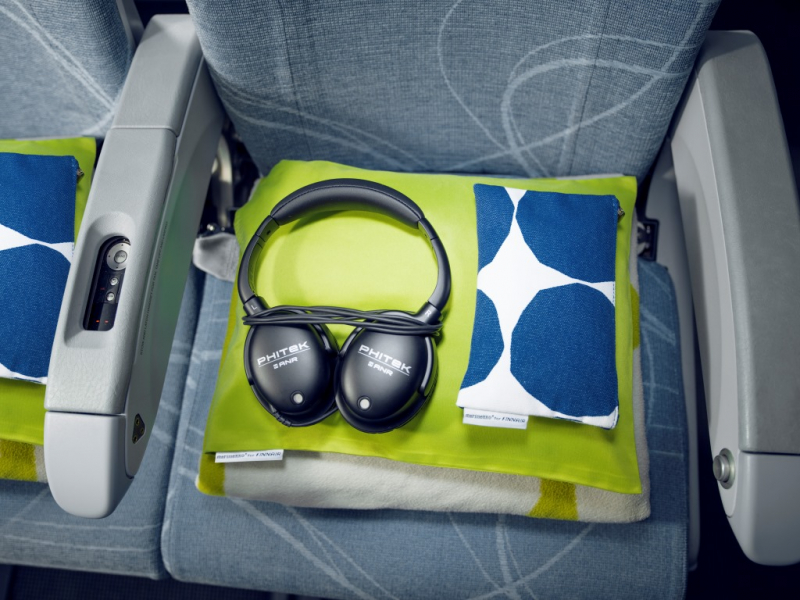finnair economy comfort longhaul amenity kit accessories