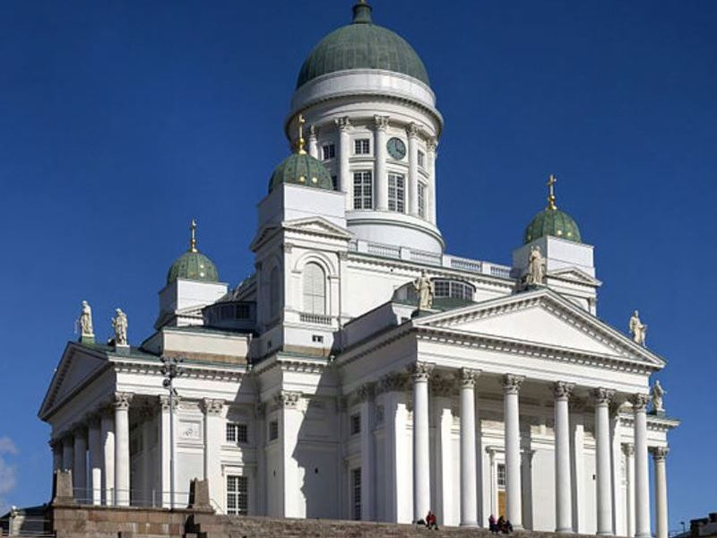 539px-Lutheran_Cathedral_Helsinki_edit