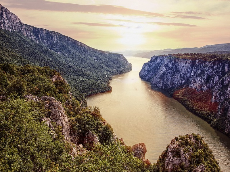 Serbia-Danube-National-Park-Djerdap-River-Iron-Gate